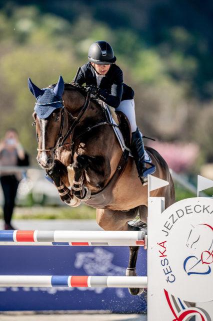 Sensationeller Erfolg für Alessandra Reich und Loyd im Großen Preis von Herzlake! Die beiden sichern sich mit zwei Nullrunden Platz vier über 160 cm. ©️