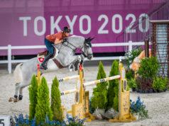 Los geht's! Dienstag, 3.8. starten die Springreiter in die Olympischen Spiele in Tokio. Martin Fuchs (SUI) und Clooney machen sich beim ersten Training mit den Gegebenheiten vertraut. ©️ Arnd Bronkhorst
